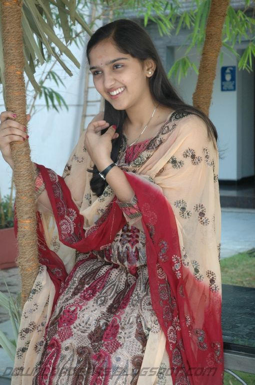 https://lh6.googleusercontent.com/-lVZwURLYr30/TYgQ8RMociI/AAAAAAAAK2o/TtozzbKFf9s/s1600/Sanusha+Cute+Pics_06.jpg