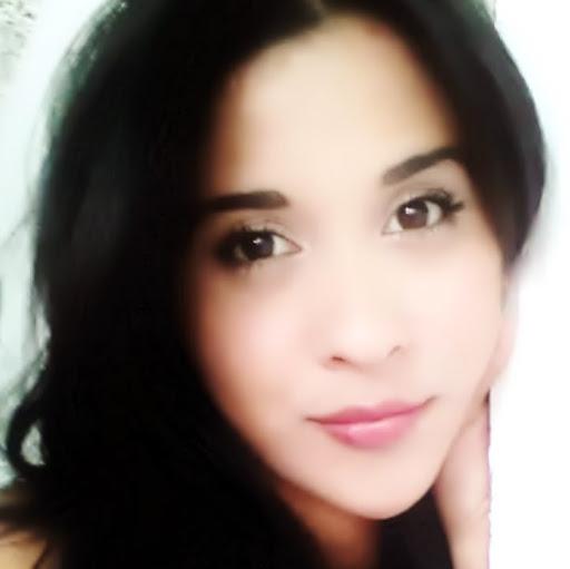 Andreina Flores