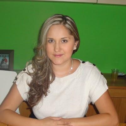 Yuliana Gomez Photo 9