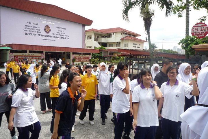 sri aman girls Sri aman is a market town and port,  i taught in smk bintulu from 2003 till 2012 and currently teach english in methodist girls school, ipoh teaching english has .