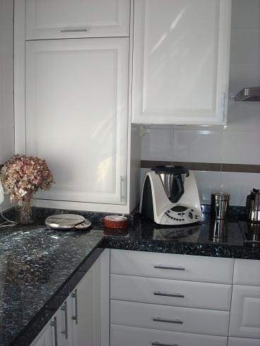 Como tapar azulejos antes y despus la cocina de patricia - Tapar azulejos cocina ...