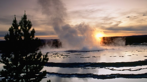 Great Fountain Geyser at Sunset, Yellowstone National Park, Wyoming.jpg