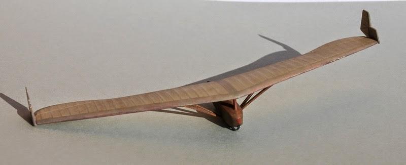 RRG Storch IV... Traduction: un planeur aile volante Fin6