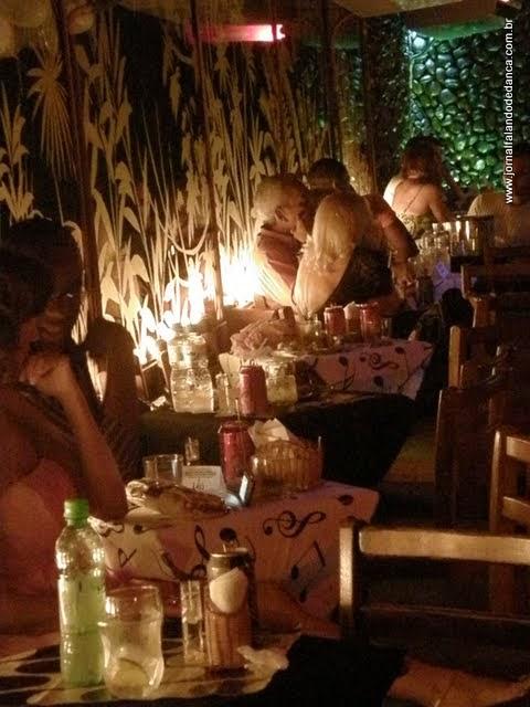 Glorinha Telles agora também organiza as noites dançantes das sextas-feiras no Olympico Club, em Copacabana. Com isso, o Olympico passa a ser o clube que tem a maior programação de dança de salão do Rio: às segundas (baile da Fátima), às quartas (baile do Carlinhos Maciel), às sextas (by Glorinha, com a banda Infinity) e aos domingos (Domingos Dançantes by Glorinha, com a banda Pérolas).