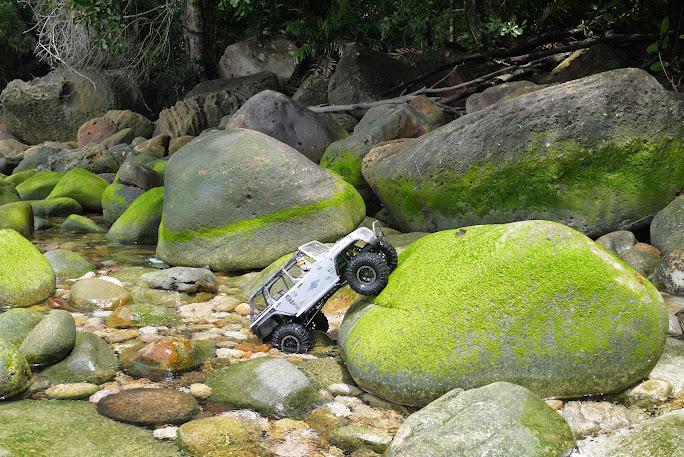 jeep - Axial Jeep Borneo escapade P1020578