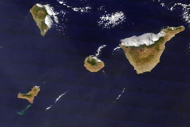 Imagen de la mancha tomada desde el satélite Terra. Imagen cortesía de la NASA.