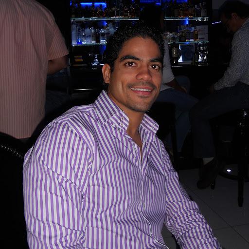 Hector Bido Photo 1