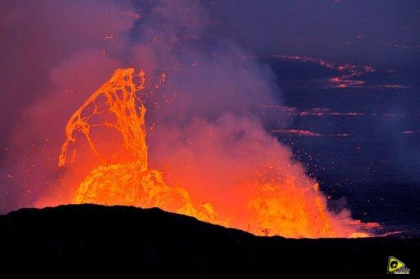 استكشافية لبركان نيراجونجو افريقيا 18.jpg