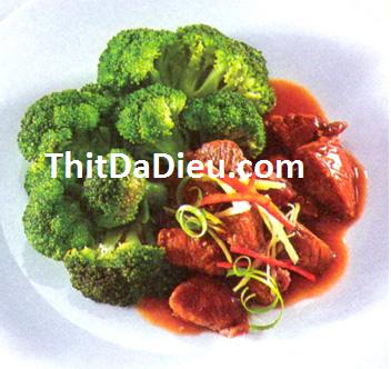 thịt đà điểu xào bông cải