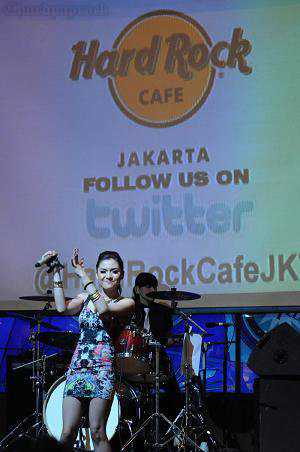 KUMPULAN FOTO VICKY SHU LAUNCHING ALBUM DRINK ME