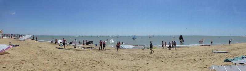 Les Samedis 6 et Dimanche 7 Juillet - 30ème Raid WindSurf LA TRANCHE / ILE DE RE - Page 2 P1010932
