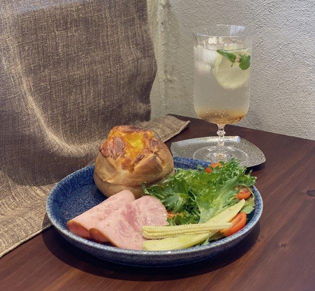 位在台北大稻埕的沙丘咖啡廳,也有提供輕食早午餐