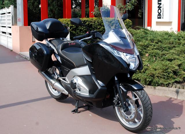 occasion honda integra 700 noir 2012 11700kms vendu saint maur motos. Black Bedroom Furniture Sets. Home Design Ideas