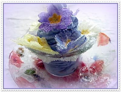 Mousse à la violette aux primevères cristallisées - recette indexée dans les Desserts
