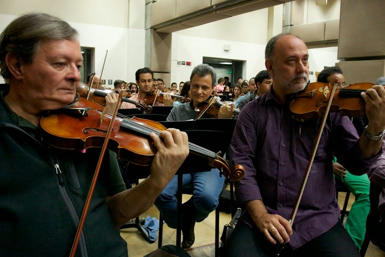 Frank di Polo y Ramón Román, miembros fundadores del linaje de músicos que conforman El Sistema