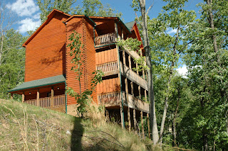 Large group vacations in gatlinburg tennessee pigeon for Large group cabins in gatlinburg tn