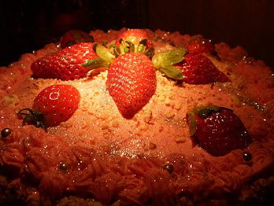 gâteau de Savoie aux fraises et au chocolat