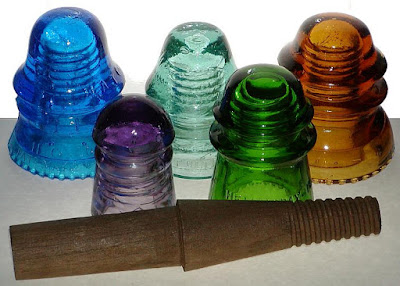 Remodelaholic recycling glass insulators into pendant light for Glass insulators crafts