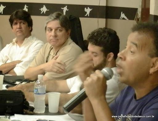 Reunião sobre bolero, na academia de Marcello Moragas, Centro do Rio, dia 02/11/13. O encontro foi proposto por Moragas depois de uma divulgação do evento Bolero in Foco, falando sobre uma forma de atrair novos simpatizantes da dança, praticando-se o