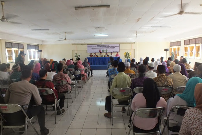 Pengadilan Agama Bogor Melakukan Itsbat Nikah 19 Pasangan Kurang Mampu | (30/1/2015)