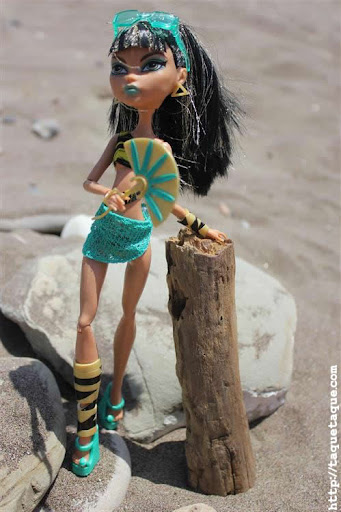 mis Monster High Gloom Beach en la playa (Estepona, Málaga)