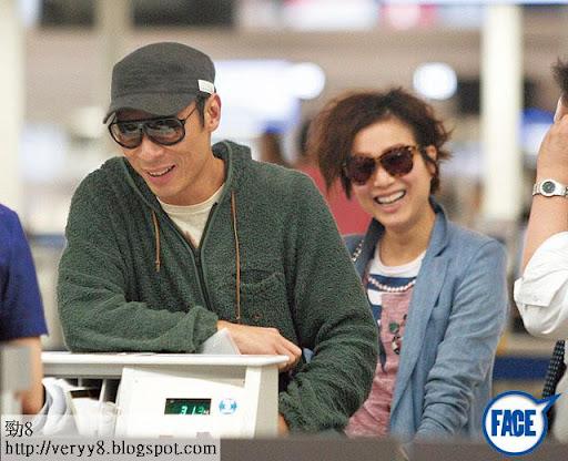 去年二人同遊東京,在成田機場等上機返香港時都笑到變四萬。