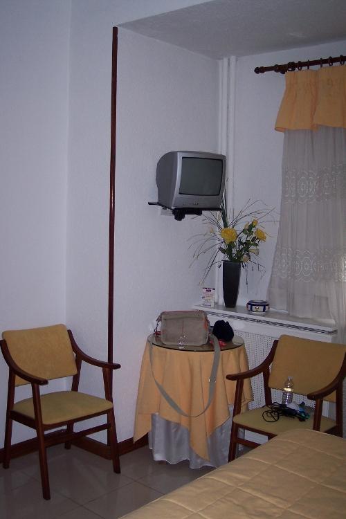 Hostal Cabo Mayor detalle de la habitación (Santander)