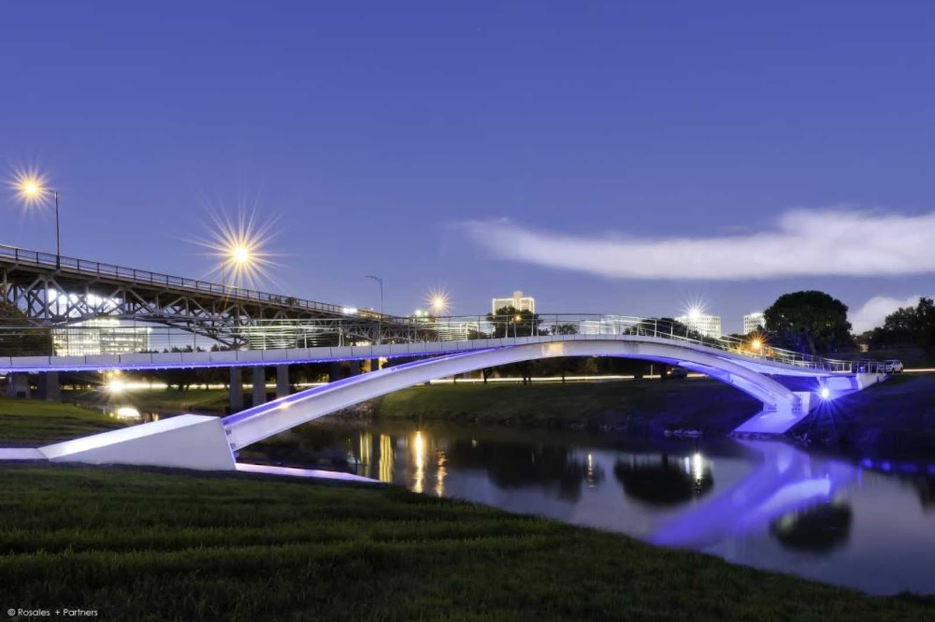 Fort Worth, Texas, Stati Uniti: Phyllis J. Tilley Memorial Bridge by Rosales + Partners Architects