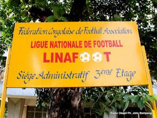Enseigne de Linafoot. Radio Okapi/ Ph. John Bompengo