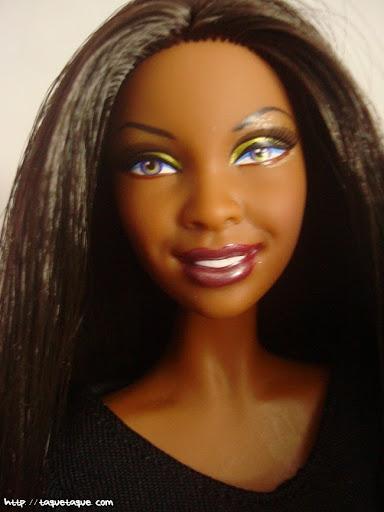 Barbie Basics LBD #10: otro primer plano para apreciar el maquillaje