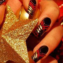 unhas pret asdecoradas com vermelho e dourado para o Natal