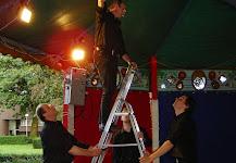 Klik hier voor foto's van het open air concert te Turnhout in 2004