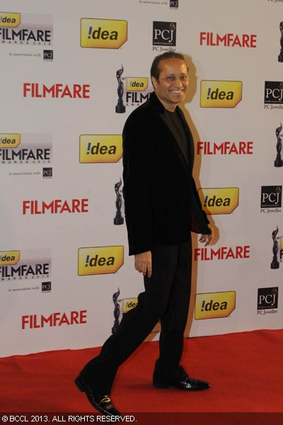 Vineet Jain, Times Group MD, arrived in style on the red carpet for the 58th Idea Filmfare Awards in Mumbai.Click here for:<br />  58th Idea Filmfare Awards
