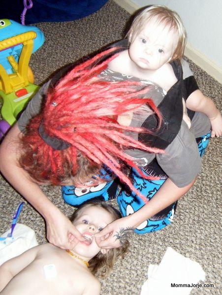 Momma Jorje: Preschooler Flossing
