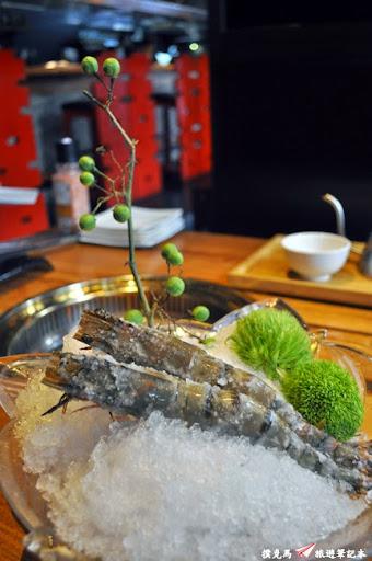 羊角BAR炭燒和牛專門牛魔王草蝦