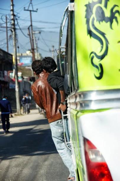 達人帶路-環遊世界-尼泊爾PoonHill健行-巴士小弟