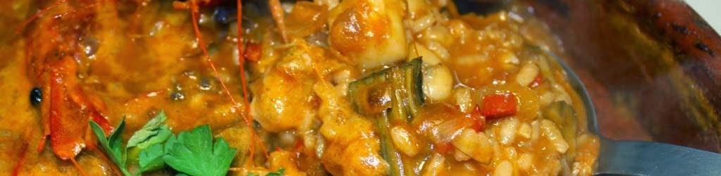 Cassola d'arròs amb gambes i carxofes