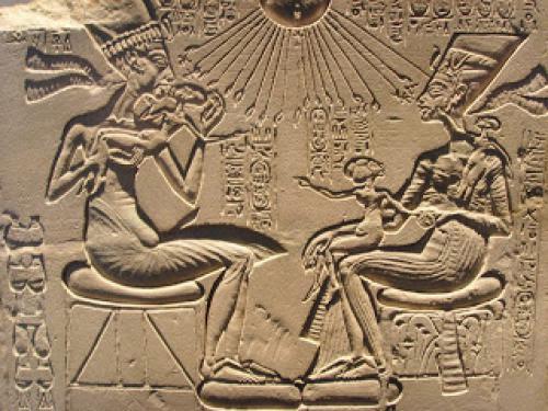 Akhenaten Monotheism And Realism