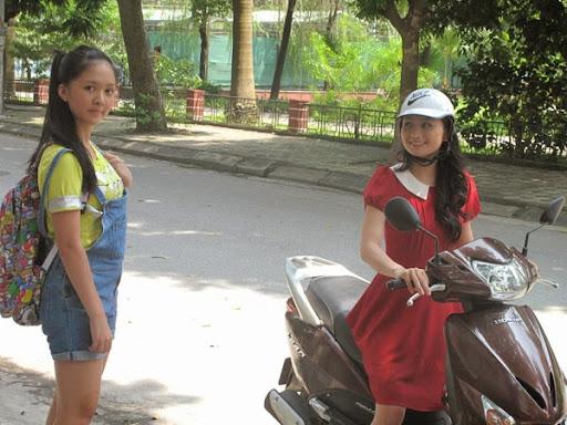 24hphim.net phim banh duc co xuong2 Bánh Đúc Có Xương