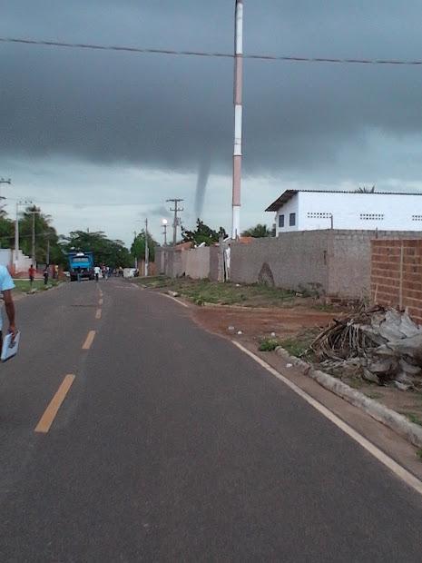 VIDEO - Redemoinho em São Luís
