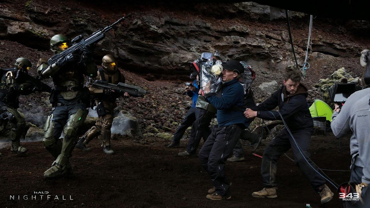 SDCC-2014-Halo-Nightfall-Crew-Weapons-Free-jpg.jpg