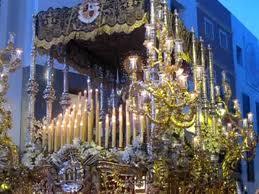 Miercoles Santo trono de la Virgen de la Paloma