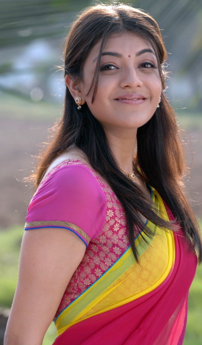 Kajal Agarwal Hot Navel Show In Half Saree Cute And Hot -4988