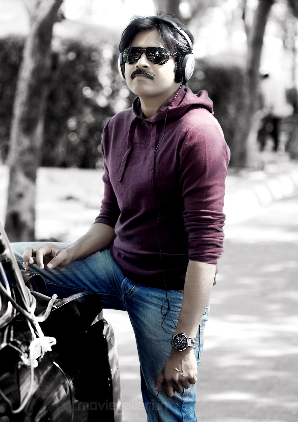 power star pawan kalyan teen maar(2011) movie latest stills | pawan