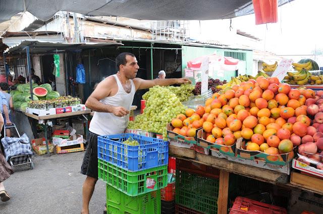 ramle market, ramle outdoor market
