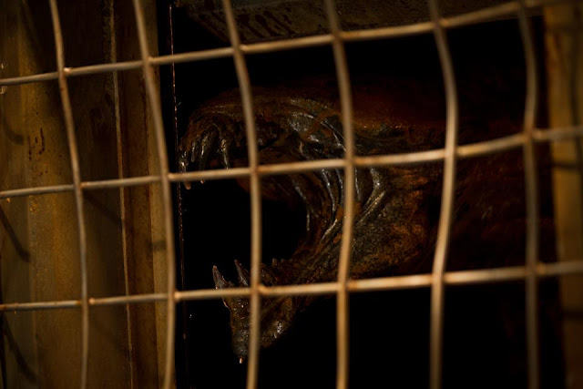 Riddick Caged Beast
