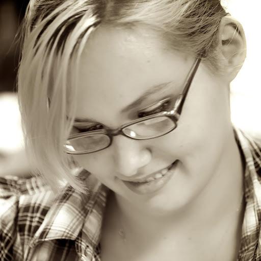 Delana Jones Photo 12