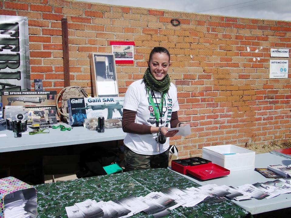 Fotos y videos de la Feria Open War 18/05/13 PICT0015