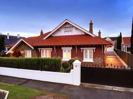 2 Fitzroy Terrace Thorngate sold for $2,700,000 in Mar 2013