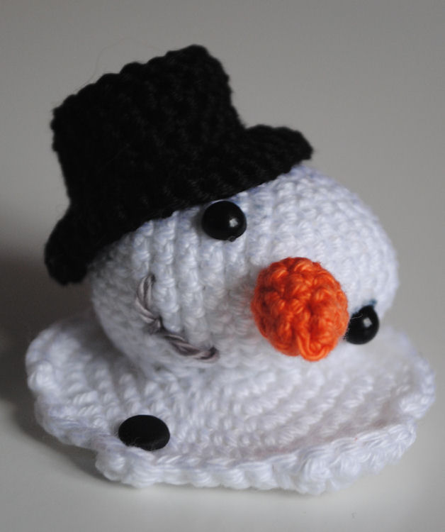 Crochet Patterns Free Snowman : Fun and Fang: Free crochet patterns